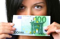 Euro podbite przez spekulacje wokół działań ECB